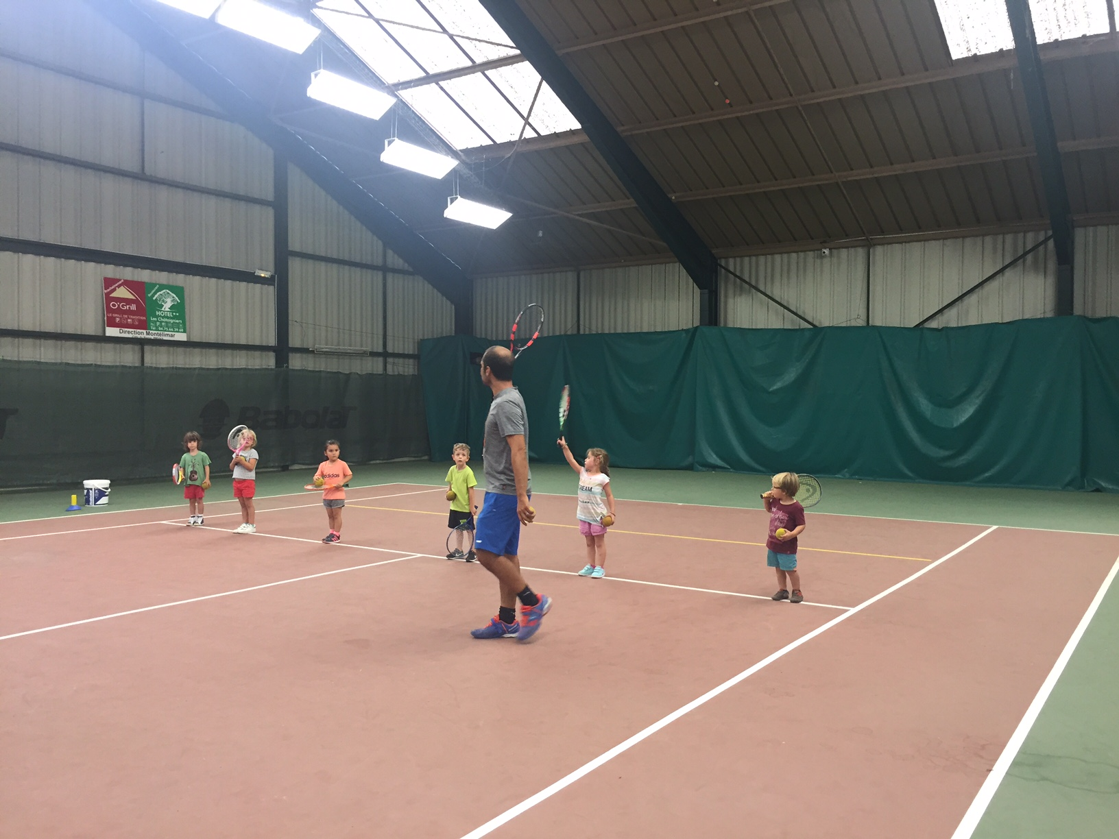 activite-enfant-mercredi-tennis